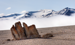 1217-Mountains-Svalbard